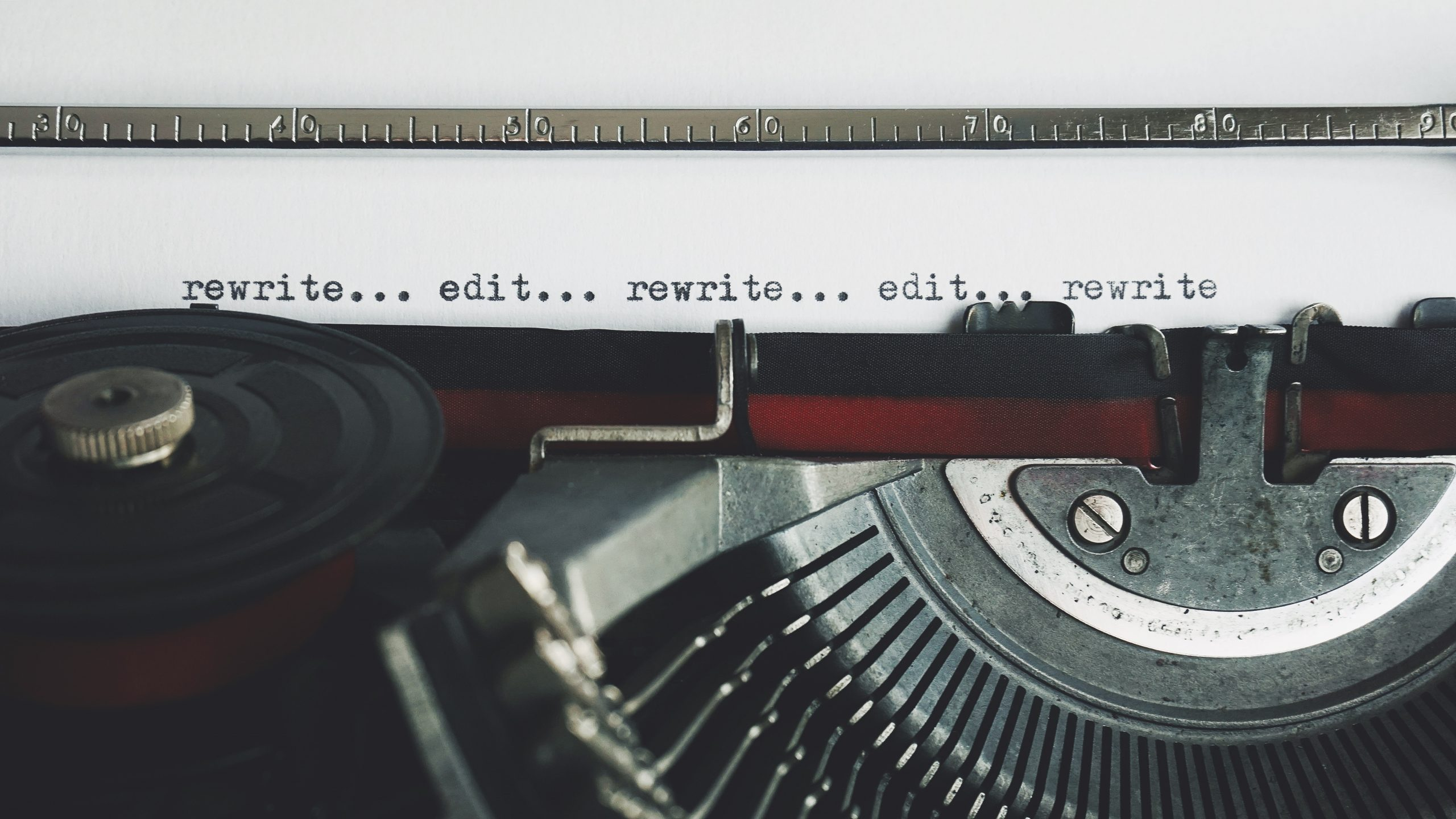 rewrite-edit-text-on-a-typewriter-3631711